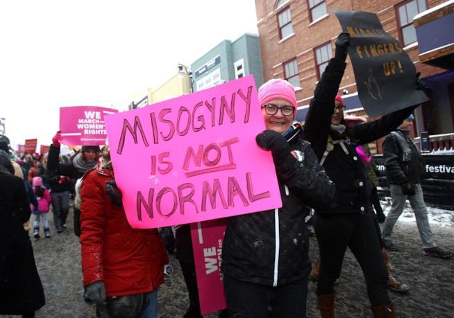 """""""Misoginia non è normale"""""""