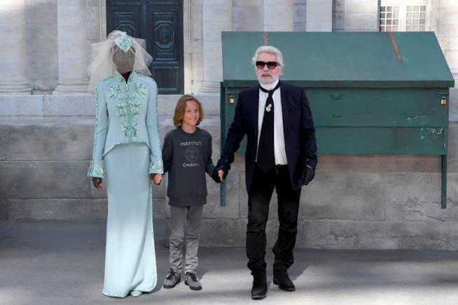 La nuova collezione di Chanel disegnata dallo stilista Karl Lagerfeld