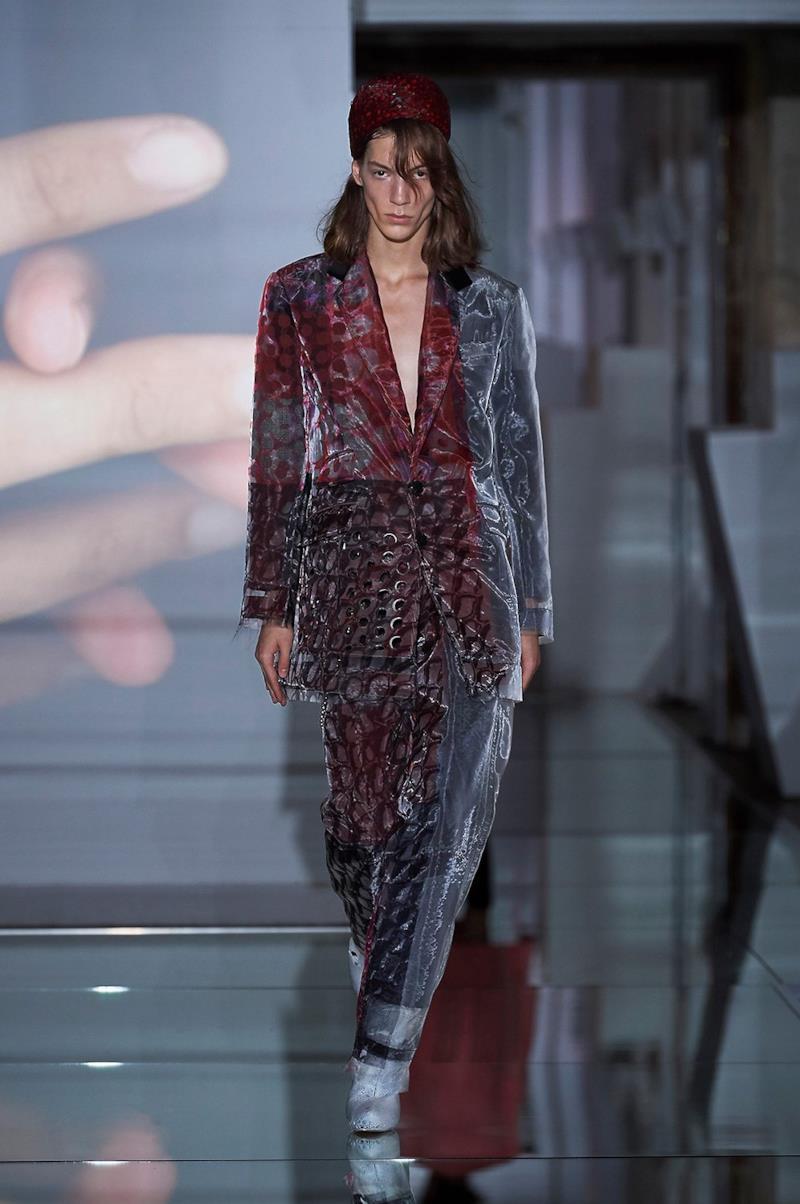Sfilata MAISON MARGIELA Collezione Alta moda Autunno Inverno 19/20 Parigi - Margiela PO HC RF19 0033