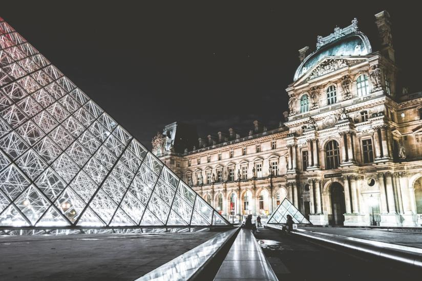 Il museo del Louvre di Parigi