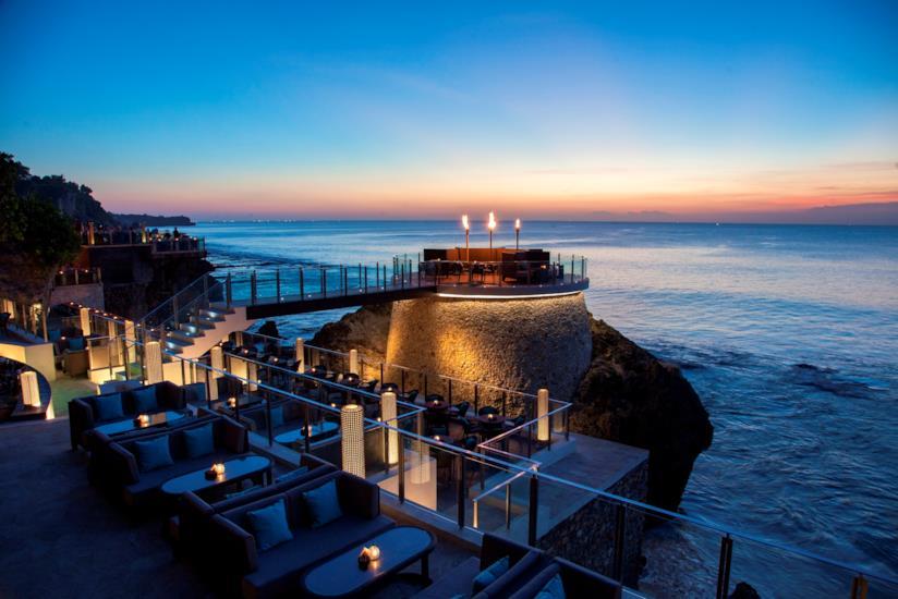 I 10 bar più cool al mondo: Rock Bar, Bali, Indonesia