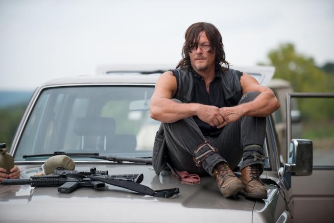Norman Reedus  in una scena di The Walking Dead