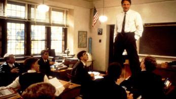 Robin Williams in una immagine de L'attimo fuggente,Credits: Odissey