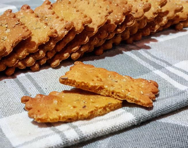 Biscotti sottili quadrati