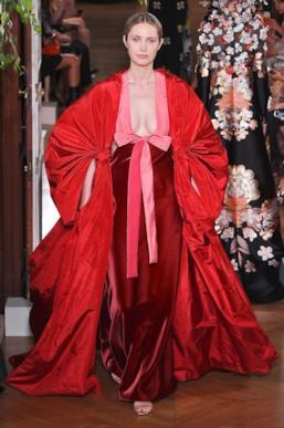 Sfilata VALENTINO Collezione Alta moda Autunno Inverno 19/20 Parigi - ISI_4030