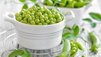 Ciotola con legumi verdi