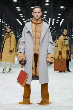 Sfilata MONCLER Collezione Donna Autunno Inverno 19/20 Milano - 42