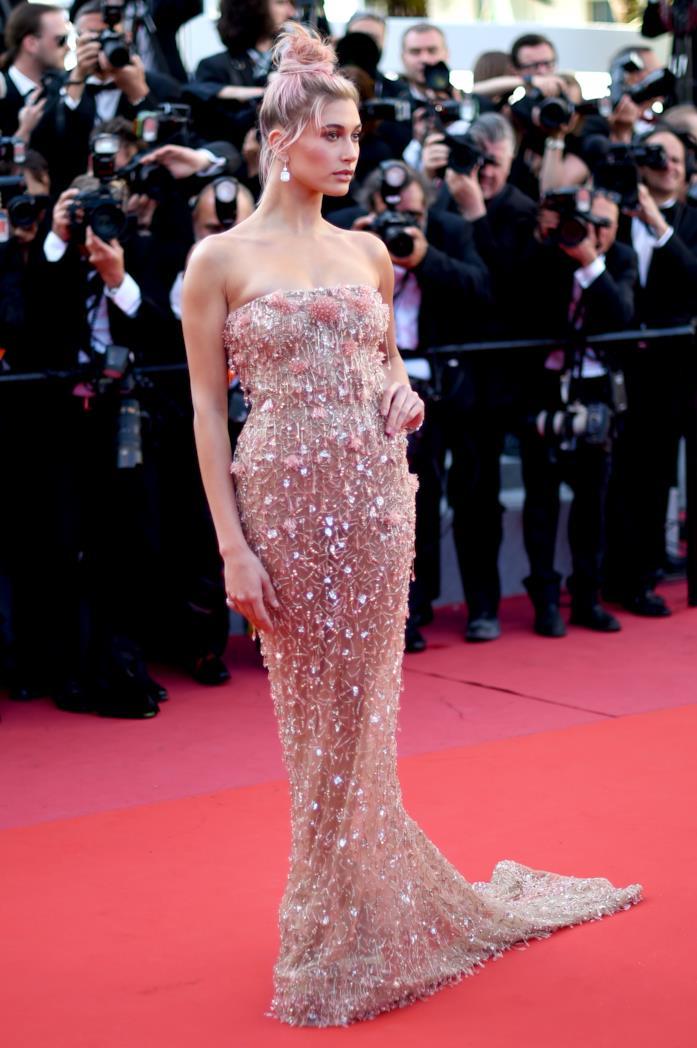 Hailey Baldwin a Cannes