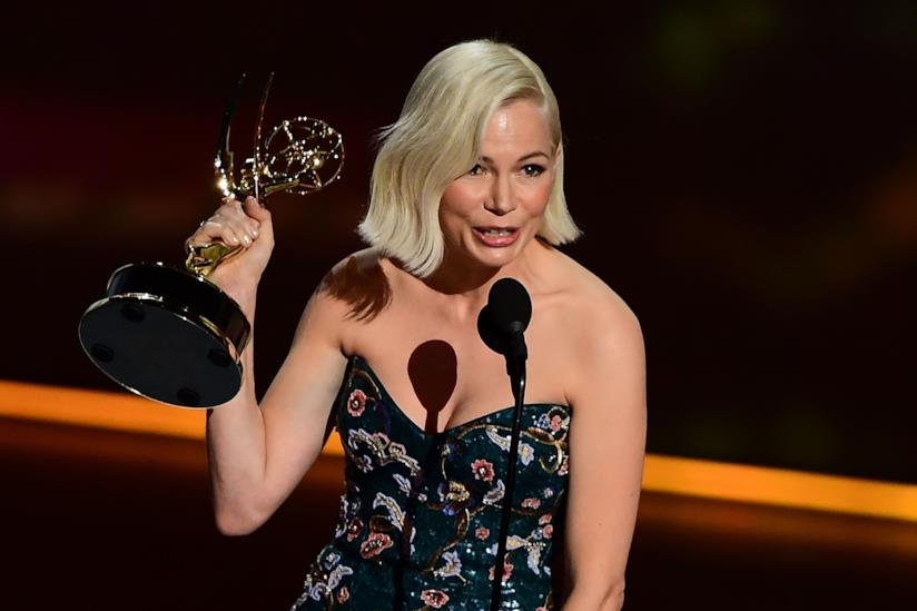 Michelle Williams sul palco degli Emmy 2019