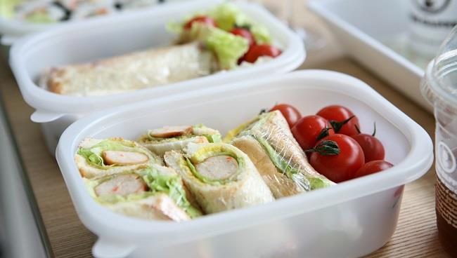 Idee Per Pranzi Sani : La schiscetta perfetta: ricette e consigli per il pranzo in ufficio