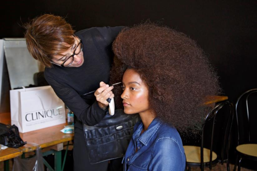 Acconciatura capelli ricci