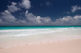 La spiaggia rosa di Budelli, tra le più colorate al mondo