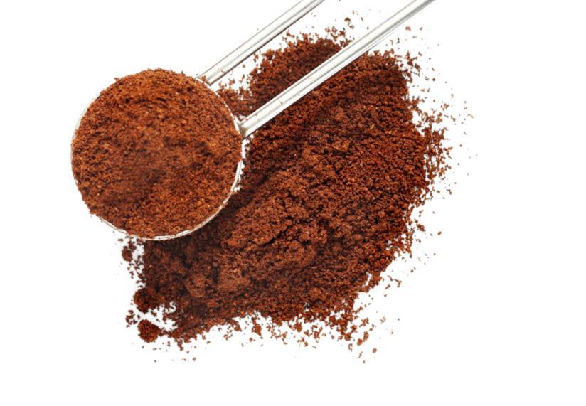 Come eliminare gli odori nel frigorifero col caffè