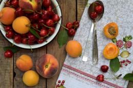 Pesche, albicocche, ciliegie