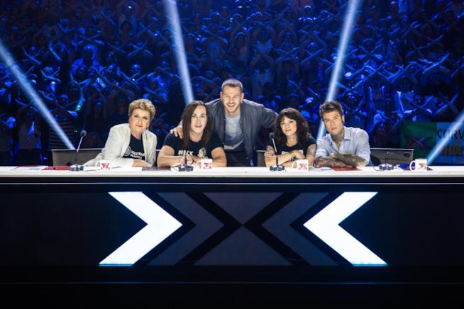 La giuria di X-Factor 2018 e Alessandro Cattelan