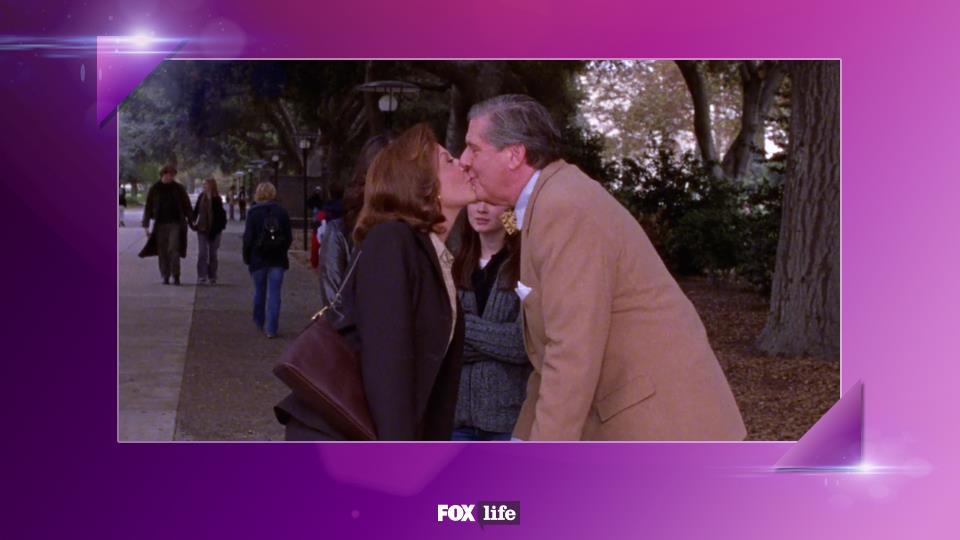 S03-E08: Un nostalgico Richard ricorda il momento della sua proposta di matrimonio a Emily. Che romanticone!