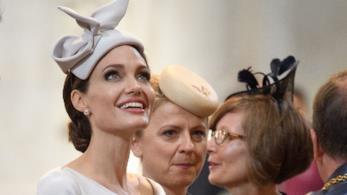 Angelina Jolie: i segreti di bellezza della pelle perfetta dell'attrice