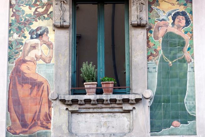 Casa Galimberti, un muro in stile liberty nel centro di Milano