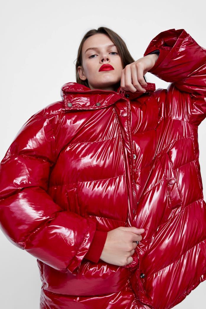 """Giubbotto over size di Zara """"Care for fiber"""" con imbottitura 100% poliestere riciclato"""