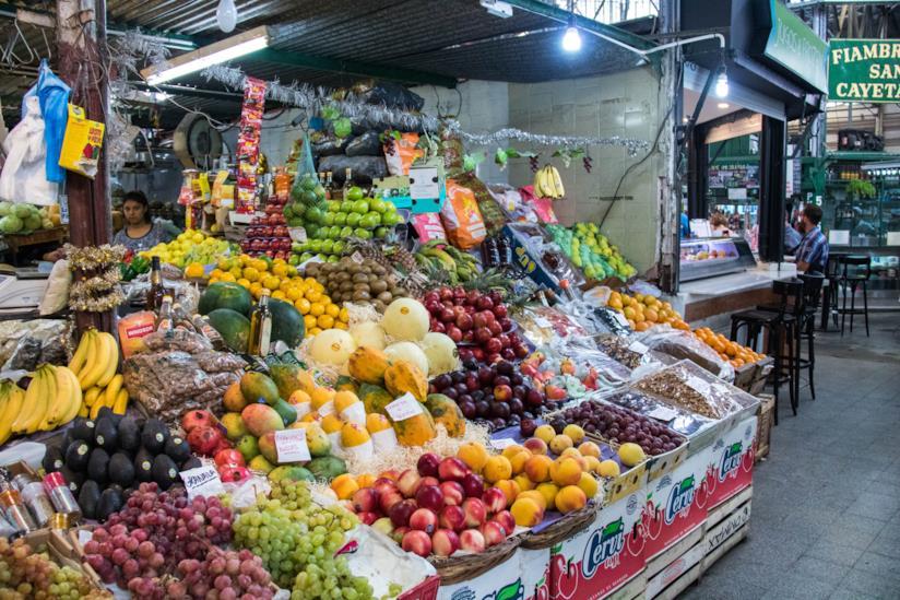 Bancarella di frutta nel Mercato di San Telmo