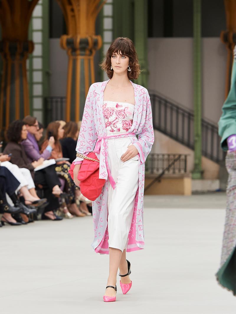 Sfilata CHANEL Collezione Donna Primavera Estate 2020 Parigi - CHANEL Resort PO RS20 0033