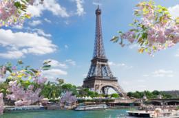 Vista della Tour Eiffel su Parigi