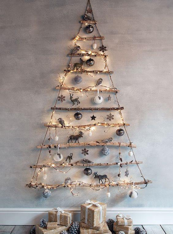 Albero da parete per il salotto di Natale