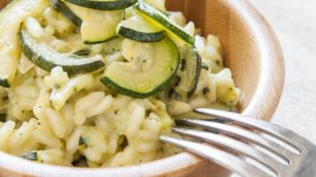 Risotto con zucchine, erbe aromatiche e Vernaccia