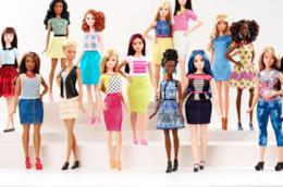 Una nuova generazione di Barbie con le curve