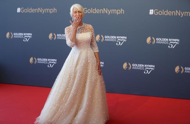 L'attrice Helen Mirren sul red carpet del 57mo Festival TV Monte-Carlo