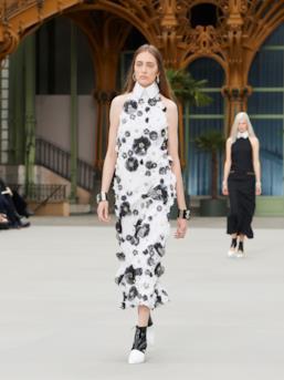 Sfilata CHANEL Collezione Donna Primavera Estate 2020 Parigi - CHANEL Resort PO RS20 0082