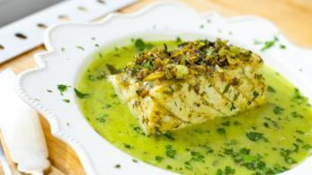 Baccalà con capperi, aglio, cerfoglio e lime