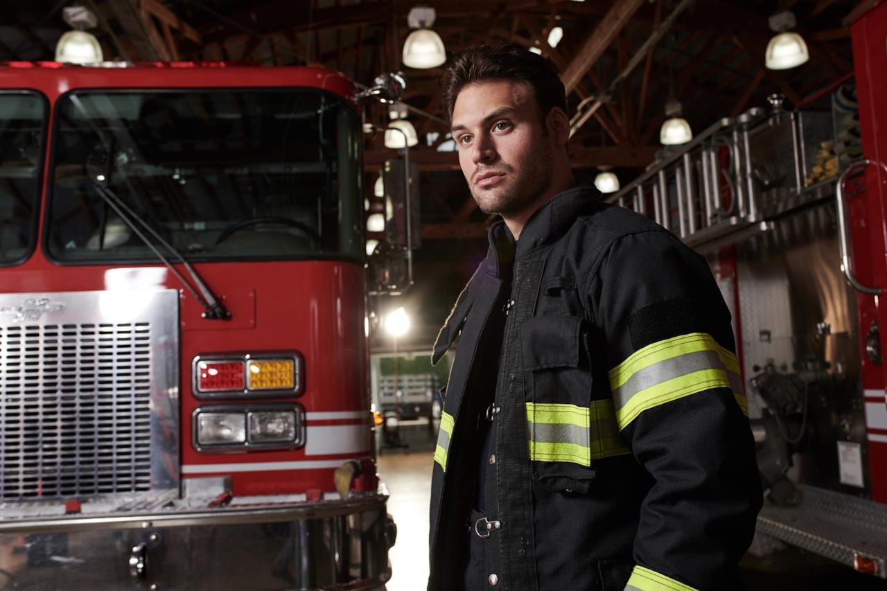 911-S2_01-Firetruck-Ryan-Guzman_0483_hires2
