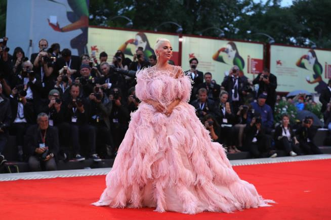 Lady Gaga sul red carpet di Venezia 75