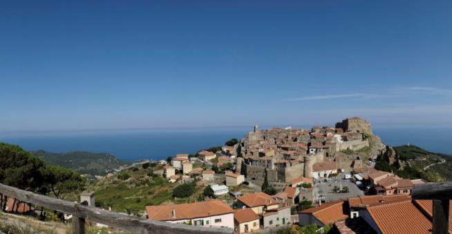 Vista di Giglio Castello