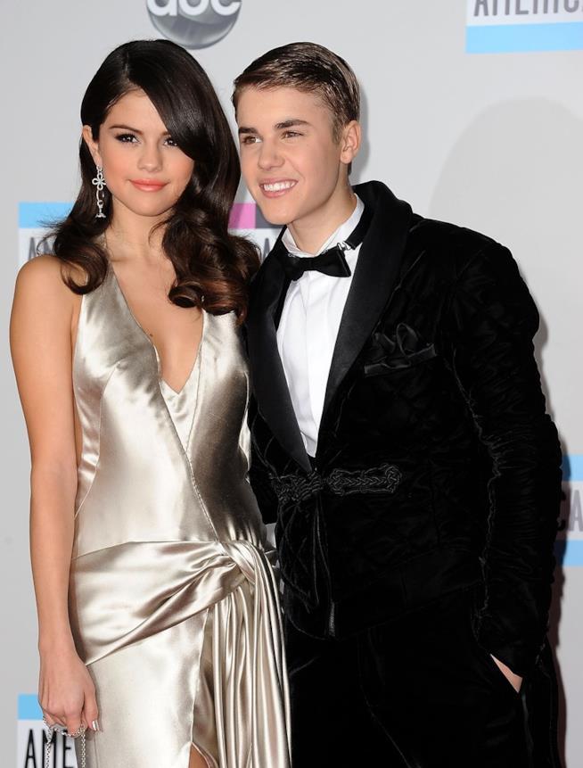 Justin Bieber e Selena Gomez in una loro vecchia foto