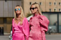 Jeanette Madsen & Thora Valdimarsdottir durante lo Street Style di Copenhagen