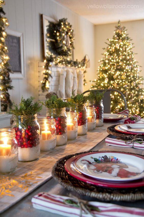 Centrotavola di Natale con barattoli