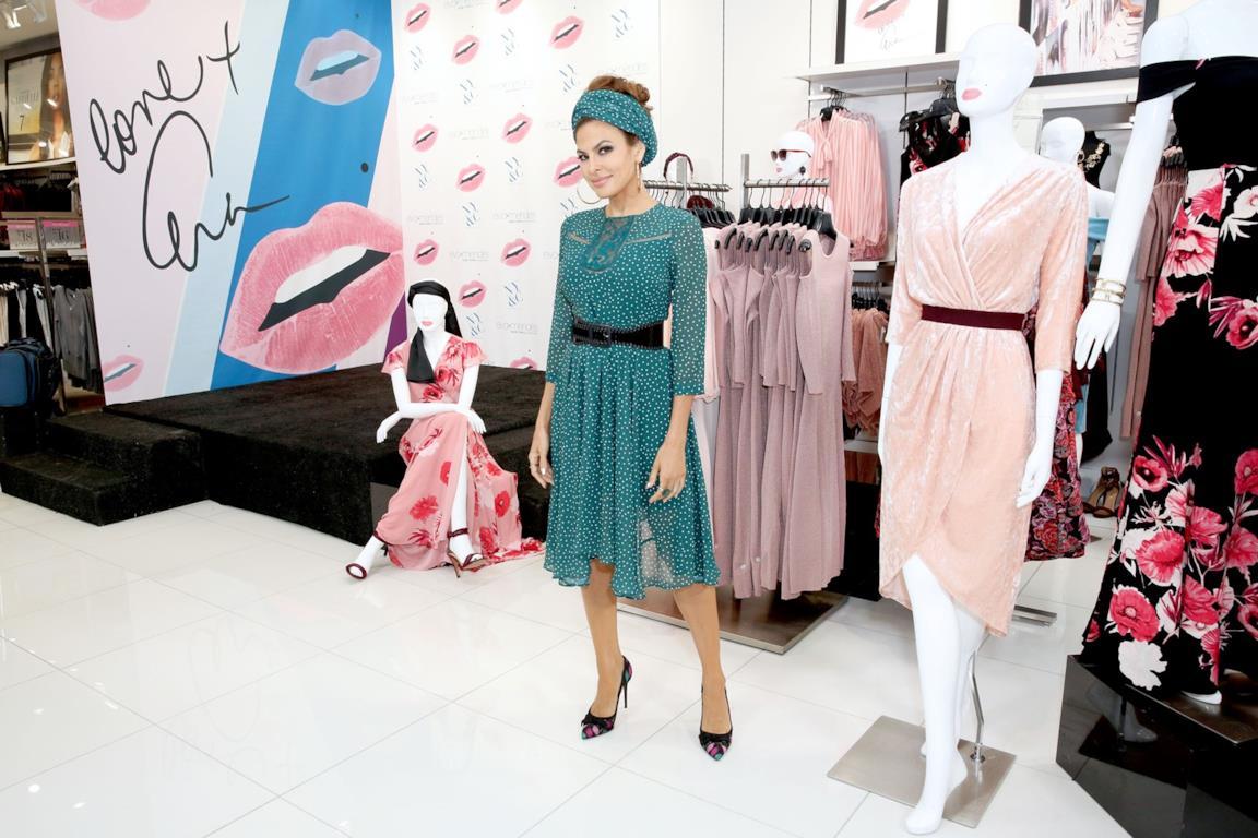 1baf1d2026d4 Eva Mendes lancia una linea moda per donne curvy