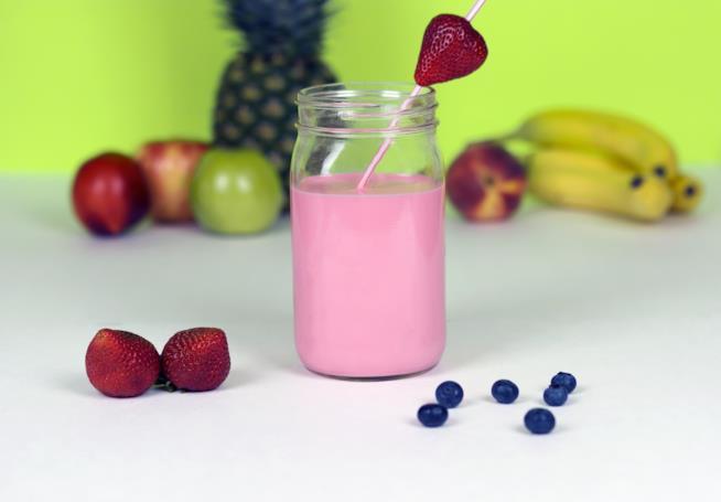 Frullato ai frutti di bosco per la colazione