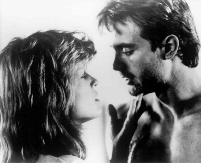 Michael Biehn e Linda Hamilton in Terminator