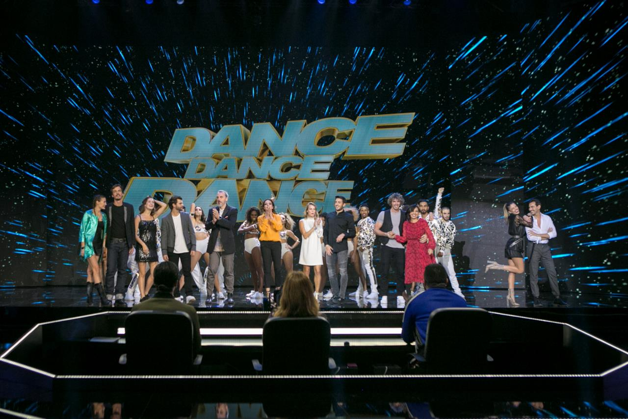 Il cast nella seconda puntata di Dance Dance Dance