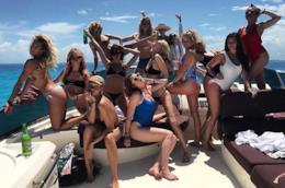 Cara Delevingne e le sue amiche su Instagram