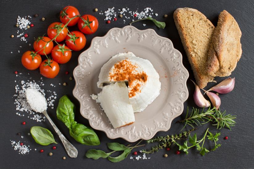 Piatto con formaggio fresco