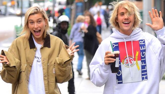 Justin Bieber e Hailey Baldwin in giro per la strada