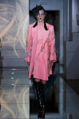 Sfilata MAISON MARGIELA Collezione Alta moda Autunno Inverno 19/20 Parigi - Margiela PO HC RF19 0031