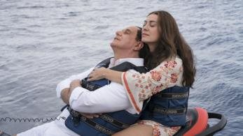 Toni Servillo ed Elena Sofia Ricci in una scena di Loro