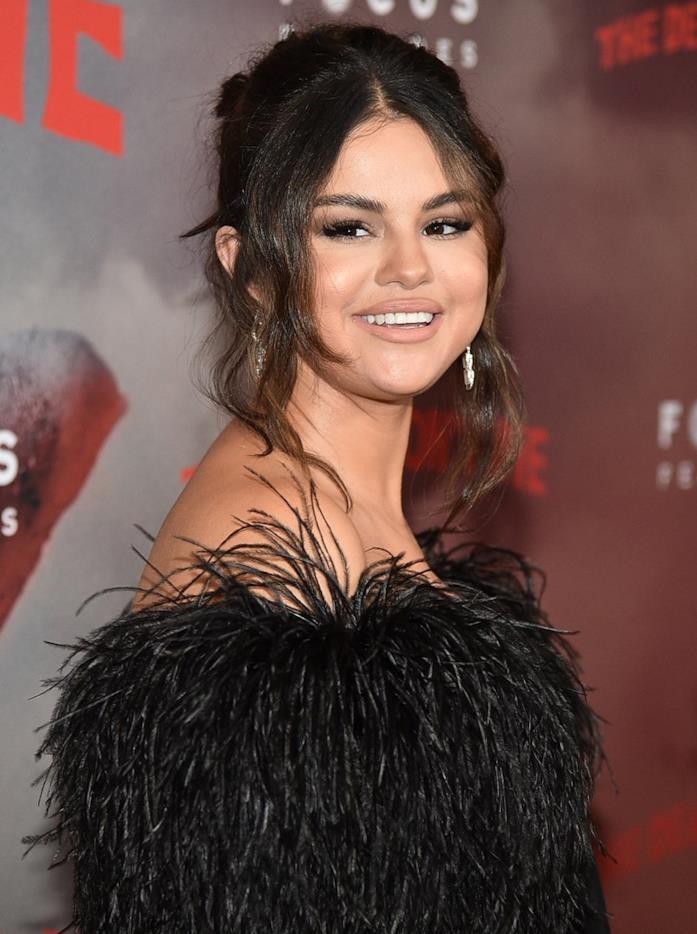 Selena Gomez in abito Céline sul tappeto rosso