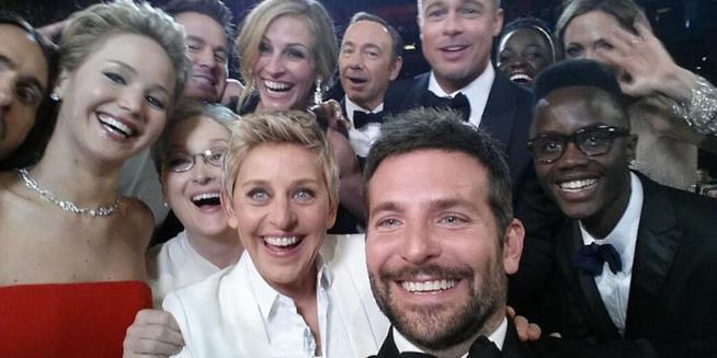 Il selfie da Oscar scattato da Ellen DeGeneres