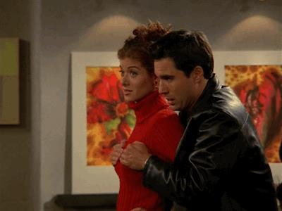 Debra Messing ed Eric McCormack in una scena di Will & Grace